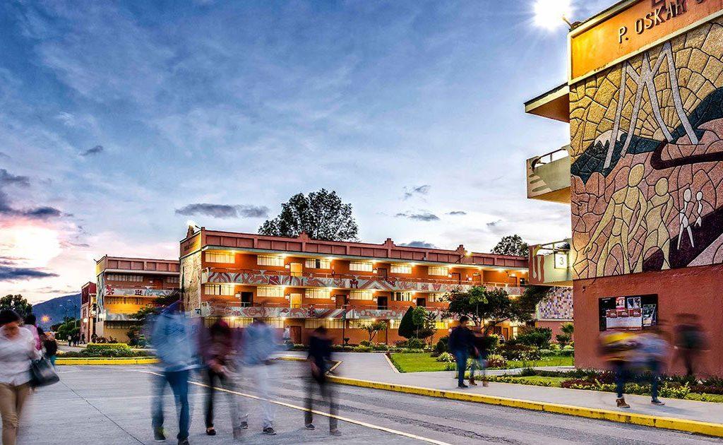 2 1 1024x630 - Firma del Convenio ITAérea - Universidad Técnica Particular de Loja (Ecuador)