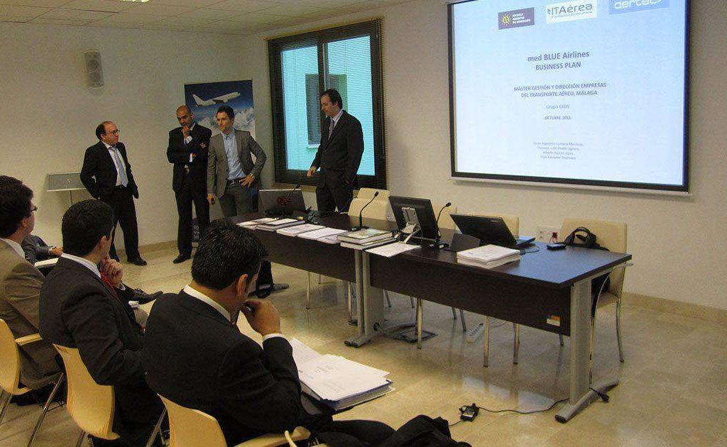 acto 1024x630 - Acto de Exposición de Planes de Negocio del MGDA Presencial Málaga 2010-2011