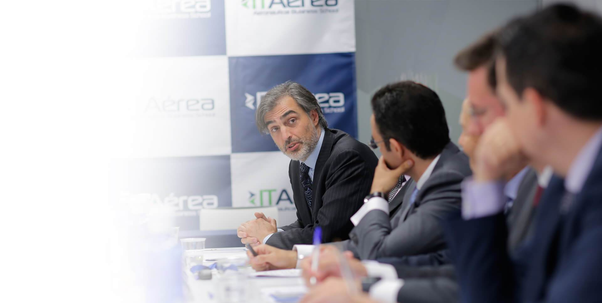 ITAérea, una Escuela de<br />Negocios internacional
