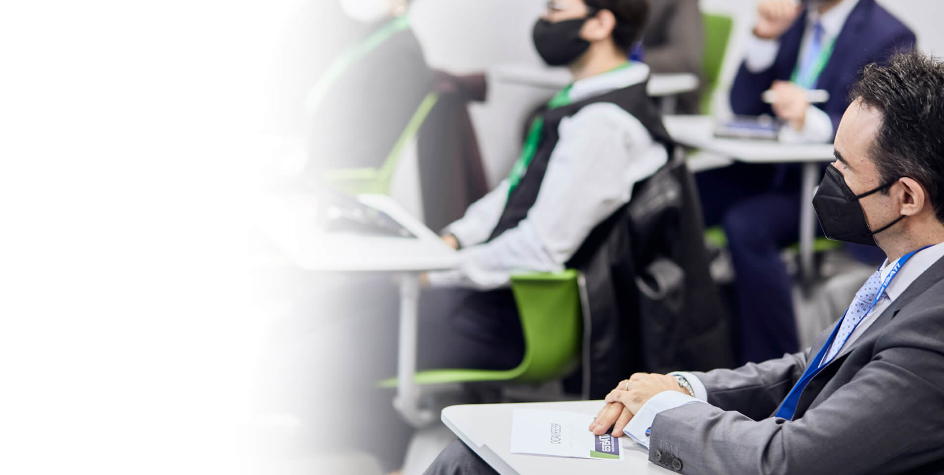 <span class='negritaslide'>Formación presencial y e-learning </span>