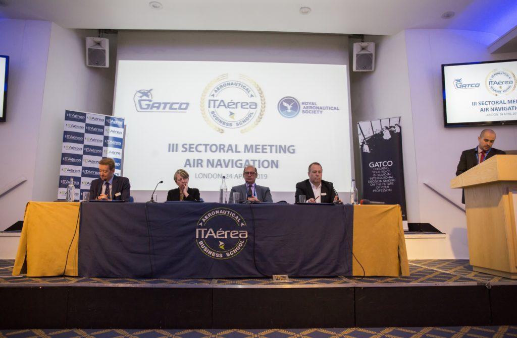 CM B1432 1024x671 - Así fue el III Encuentro Sectorial de Navegación Aérea Organizado por ITAérea y GATCO en La Royal Aeronautical Society