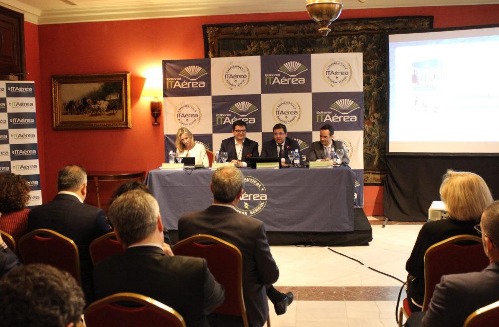IMG 0817 1024x671 - Presentación en Barcelona del Nuevo Libro de D. Javier Gándara, Docente de ITAérea