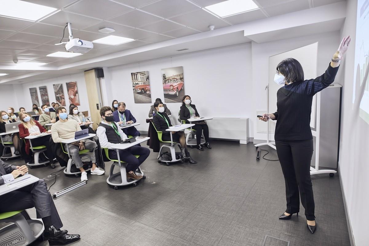 MG 3546 - Dña. María José Cuenda, Directora General Comercial, Inmobiliaria y de Desarrollo Internacional de Aena, imparte conferencia extraordinaria en ITAérea Madrid