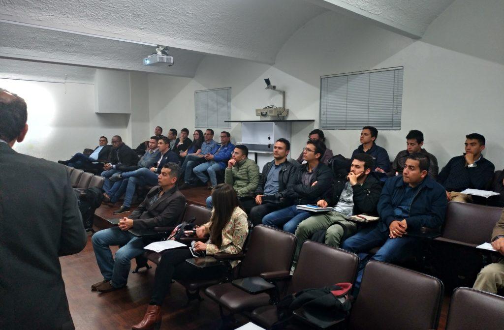 Sesión UMNG 2 1024x671 - Charla Informativa Sobre la Formación Impartida por ITAérea en Colombia