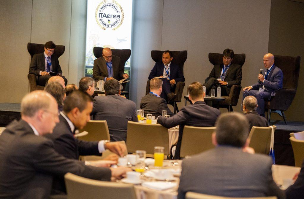 WBPs Breakfast and CEOs Panel ITAerea00402 1 1024x671 - Profesores de gestión aeroportuaria y aeronáutica