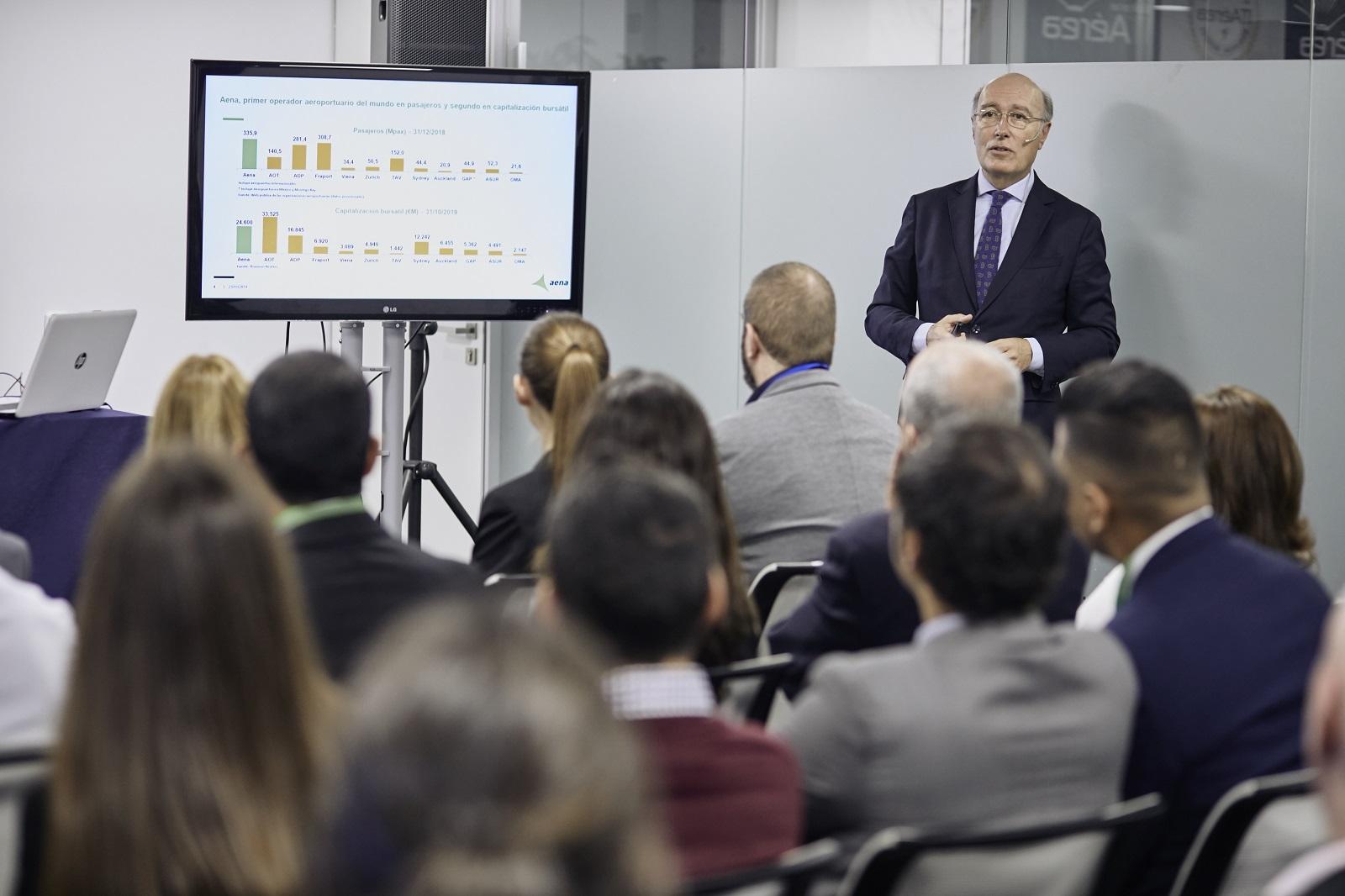MG 9317 - D. Javier Marín, Director General de Aeropuertos de AENA, imparte conferencia extraordinaria en ITAérea Madrid