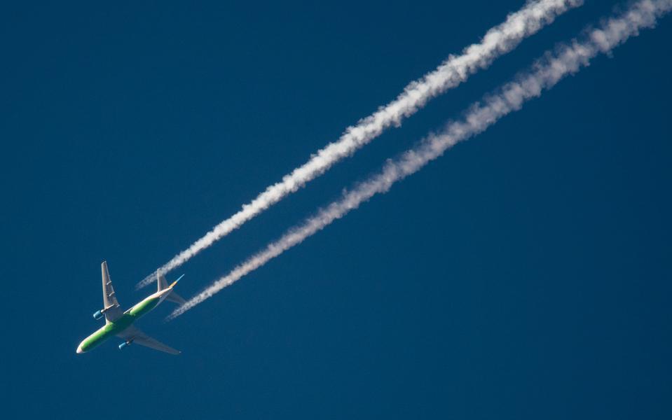 emissions - ¿Cómo prevén reducir sus emisiones las aerolíneas?