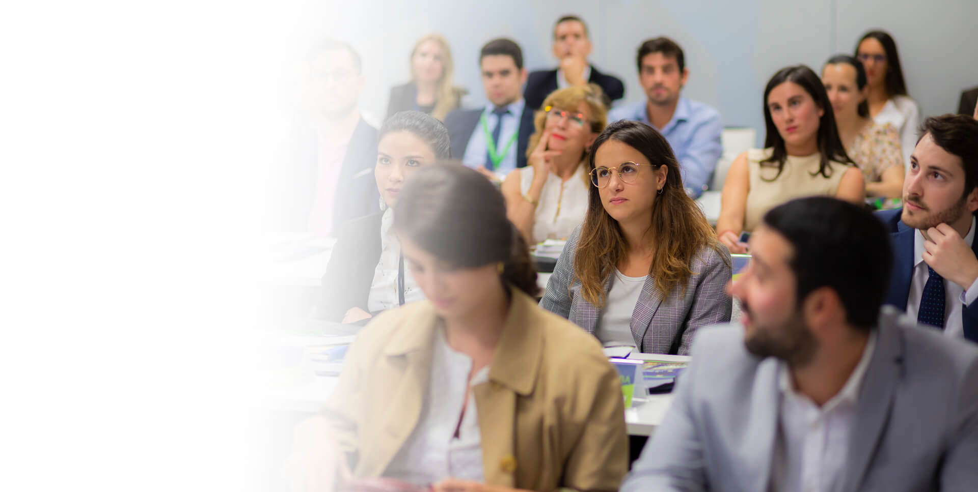 <span class='lightslide'>Máster universitario en<br />gestión y dirección<br />aeroportuaria y aeronaútica<br />(MGDA UDIMA).</span>