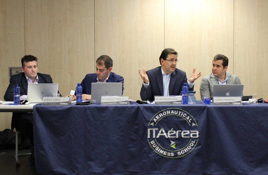 tribunal 1024x671 - Alumnos de ITAérea exponen sus planes de negocio ante un tribunal de excepción